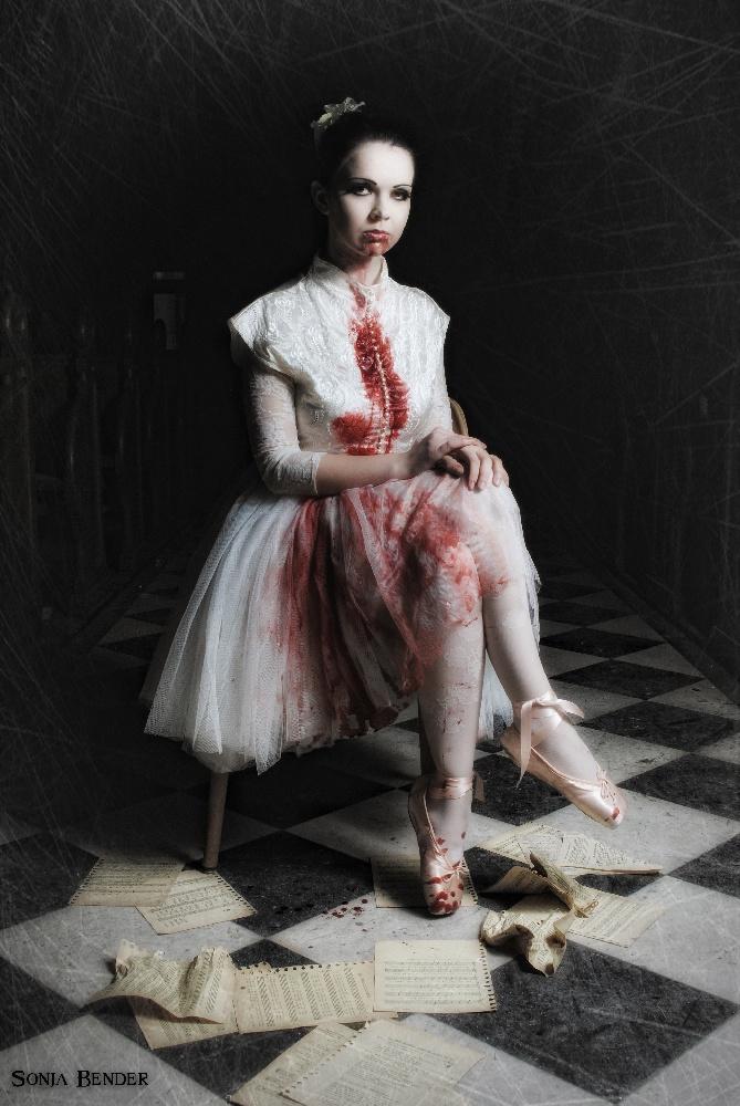 Livid_Horror-Ballerina-Blut-Film-Fantasy-Vampir-44287_37.jpg