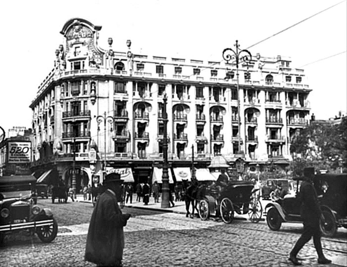 3-1916-09Hotelul_Athenee_Palace.jpg