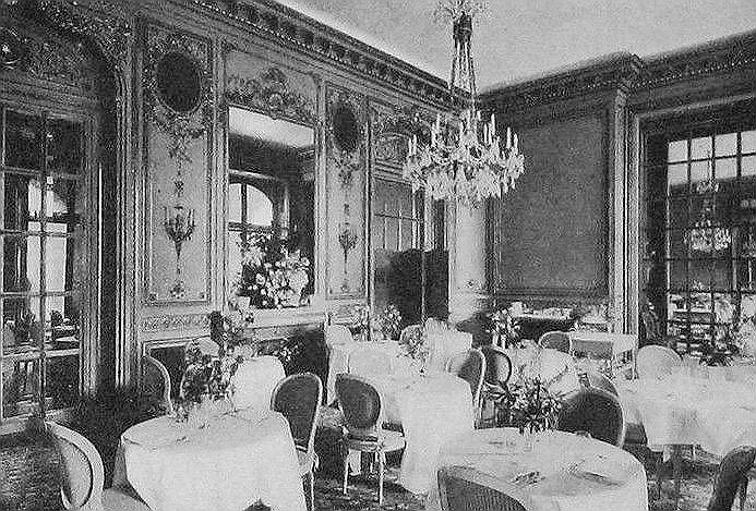 Marie_Antoinette_Room_Ritz_London_1914.jpg