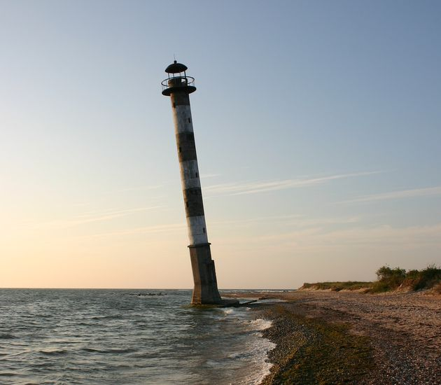 Kiipsaare-Lighthouse-abandoned-estonia.jpg