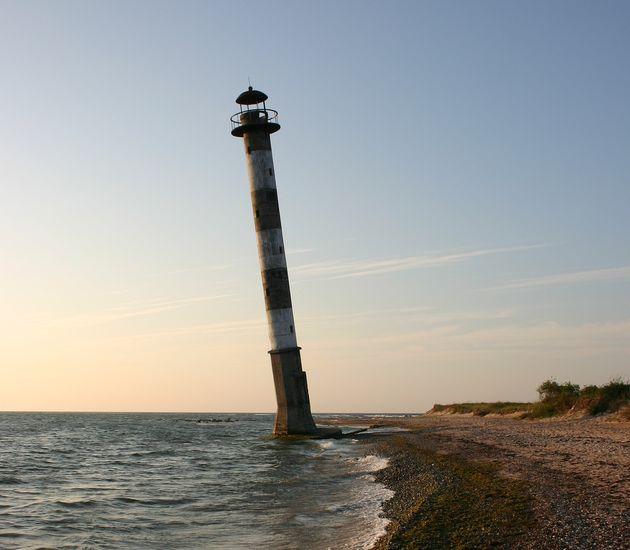 Kiipsaare-Lighthouse-abandoned-estonia.jpg