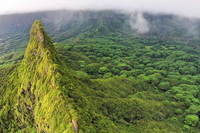 mount-olomana-kailua-hawaii-usa-640x427-c.jpg