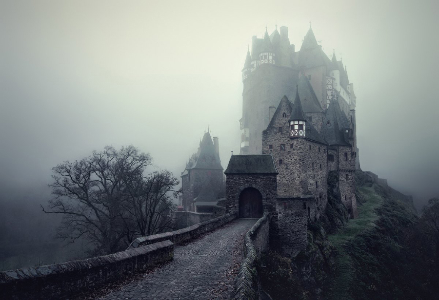 brothers-grimm-misty-castle.jpg