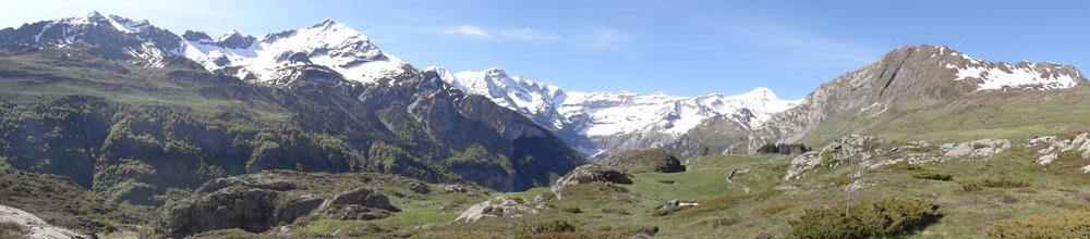 Banner fell pyrenees