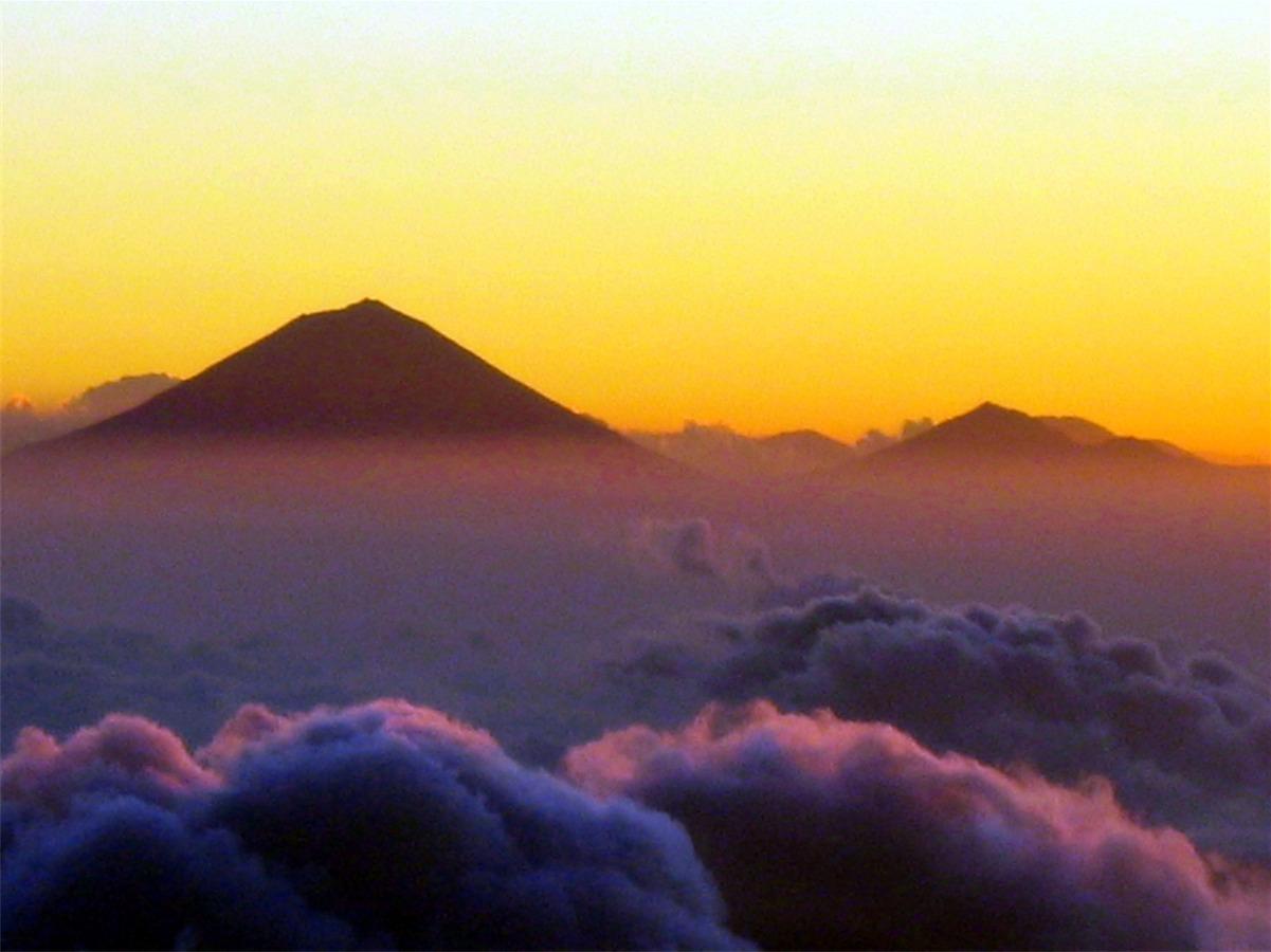 agung-volcano-from-senaru-rim1.jpg