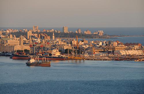 Puerto_Montevideo.jpg