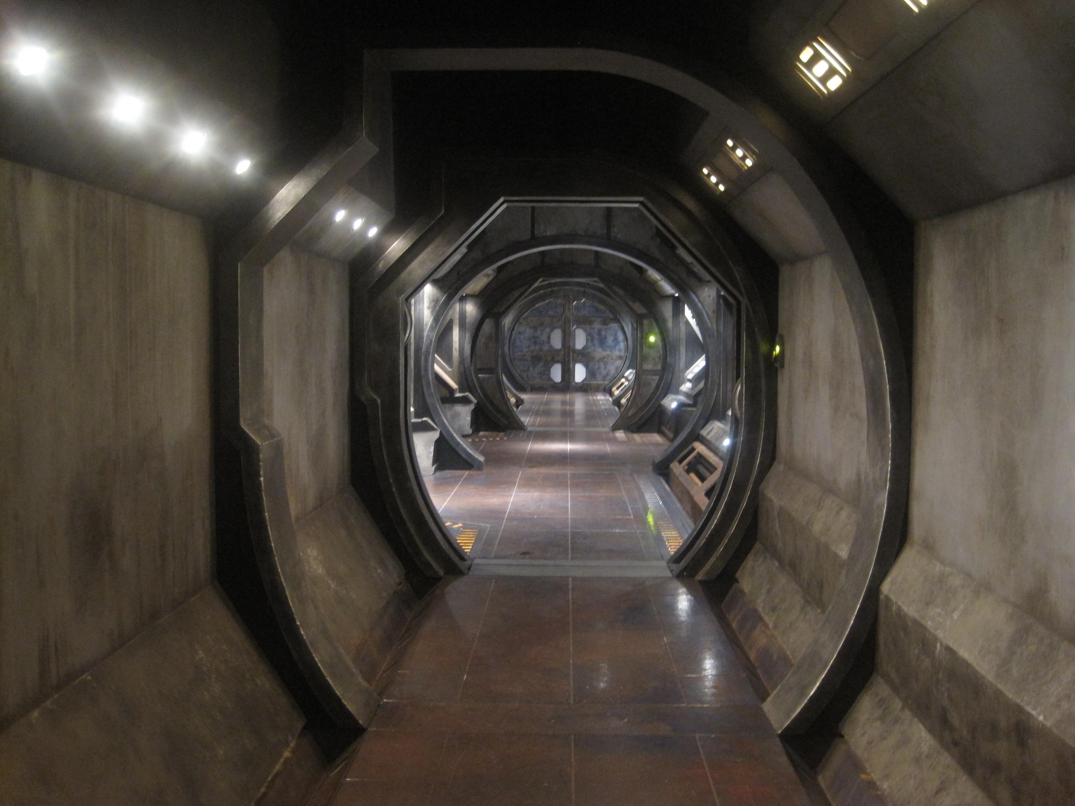 Deep_Ice_Residential_Corridor.jpg