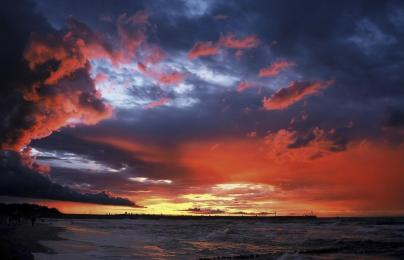 a-sunset-clouds-sky-sea-HD-Wallpaper.jpg