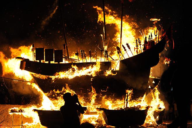 burning_barge.jpg