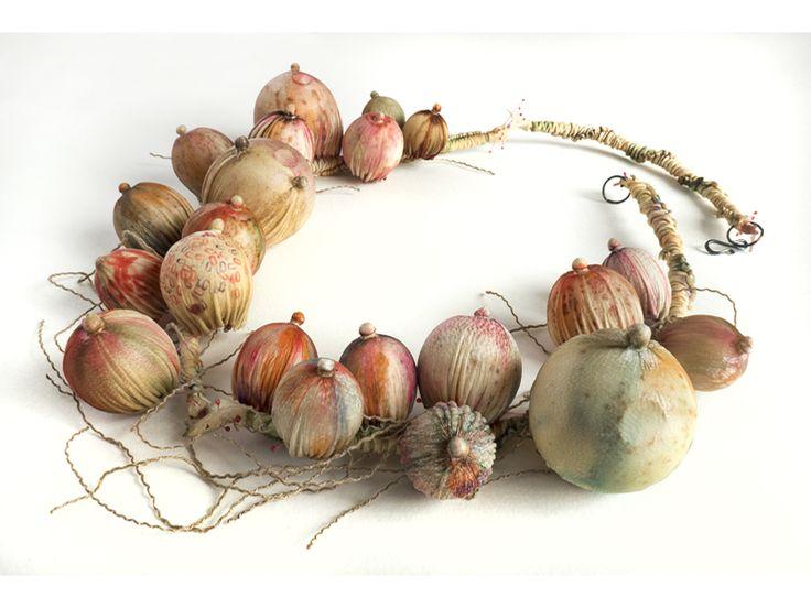 garlic_necklace.jpg
