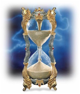 Merlins_Crystal_Hourglass.jpg