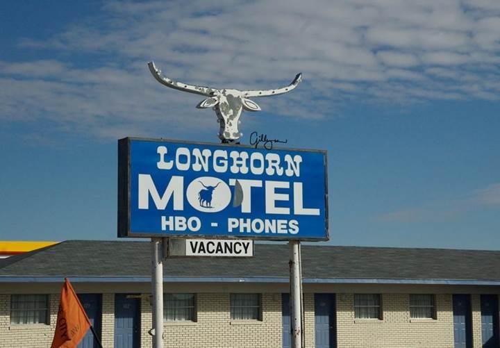 longhorn_motel.jpg