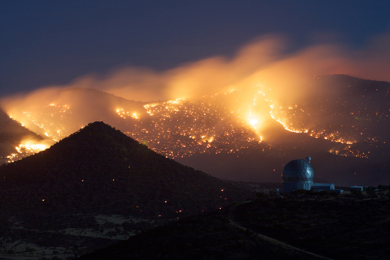 Mcdonald observatory wildfires 110419 02