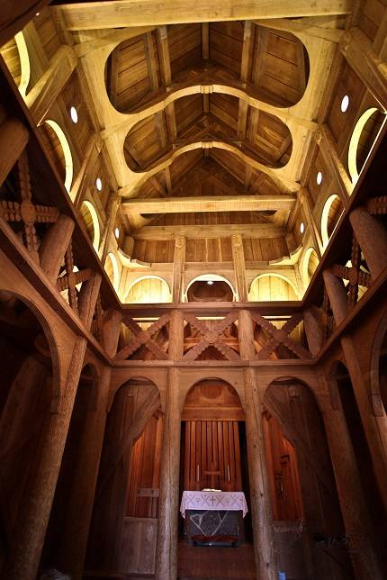 church-of-the-redeemer-interior2.jpg
