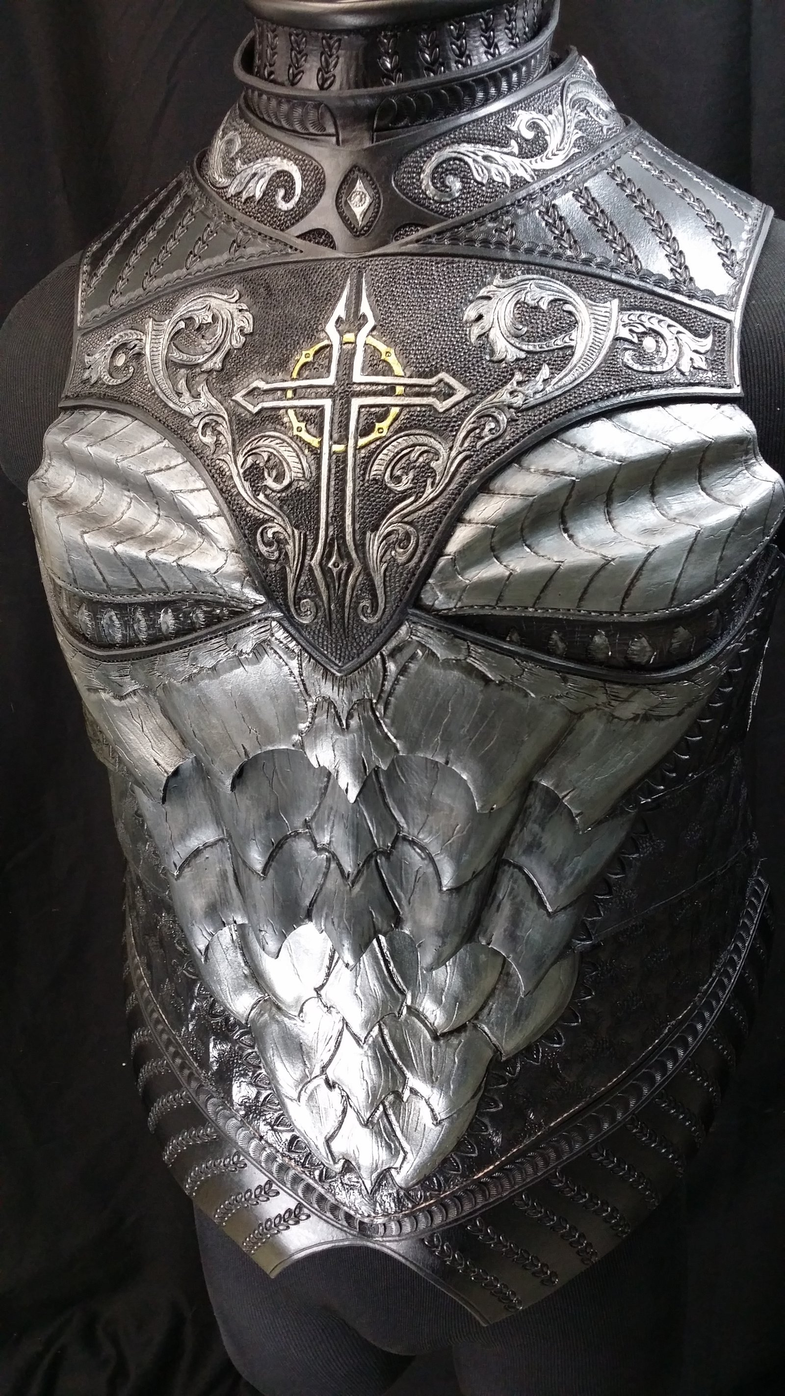 dragon_crusader_breastplate_preview_by_azmal-d7o58ce.jpg