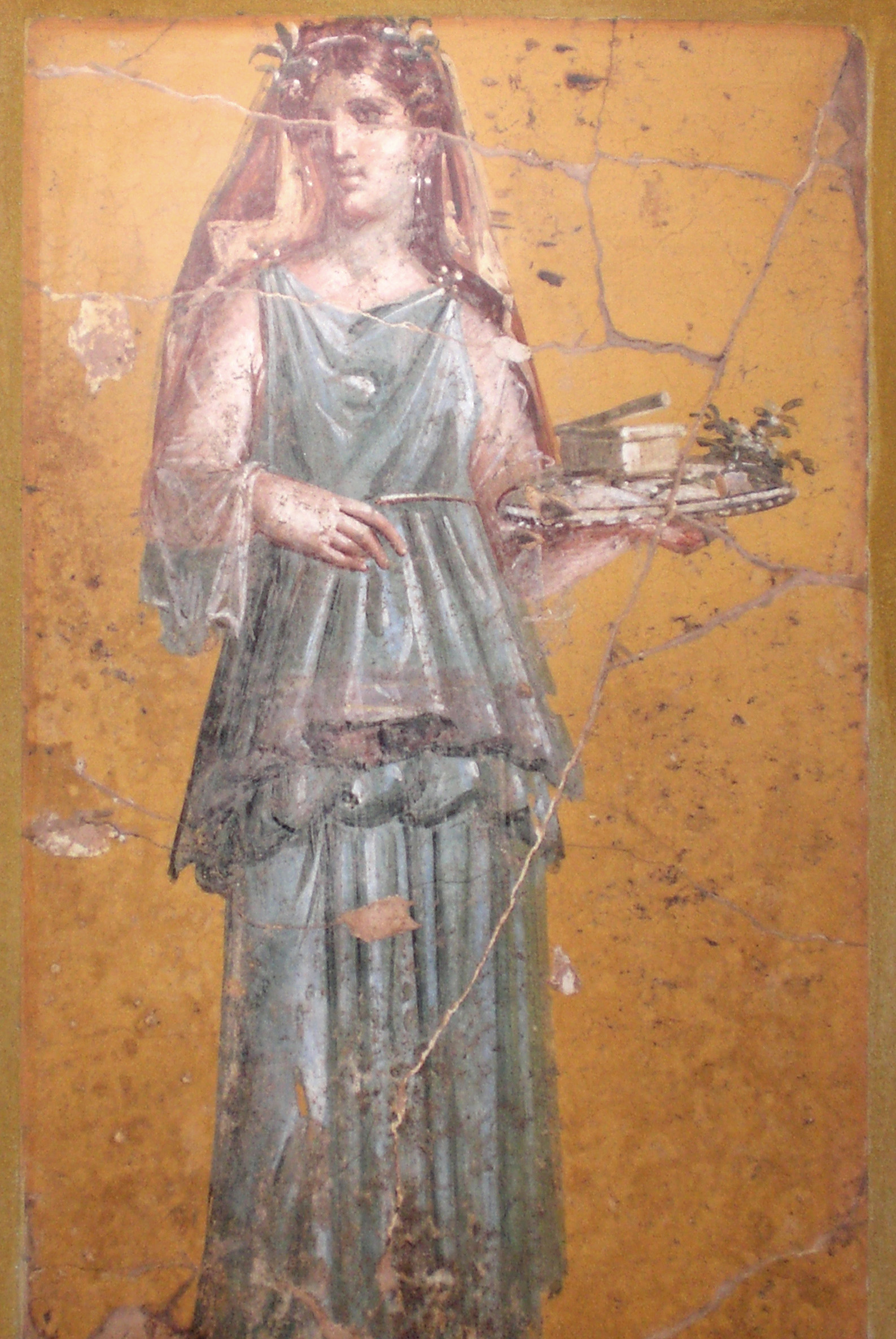 Fresco_of_woman_with_tray_in_Villa_San_Marco_retouched.jpg