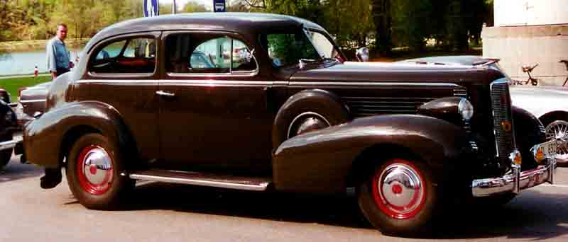 La_Salle_Series_37-5011_2-D_Touring_Sedan_1937.jpg