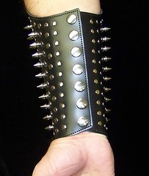 Spiked Gauntlets of Ogre Power