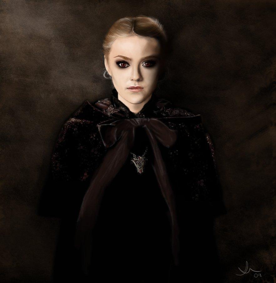 Cora Moonghall