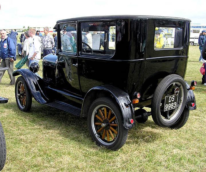 """1925 """"New Model"""" T Tudor Sedan"""