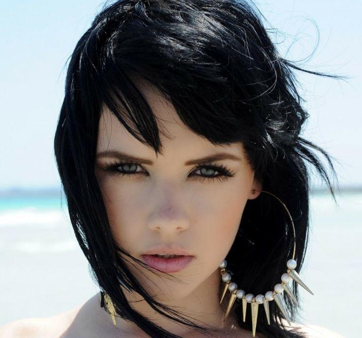 Aria (Melissa Hart)