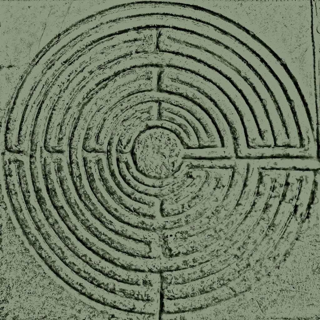 labyrinth V4