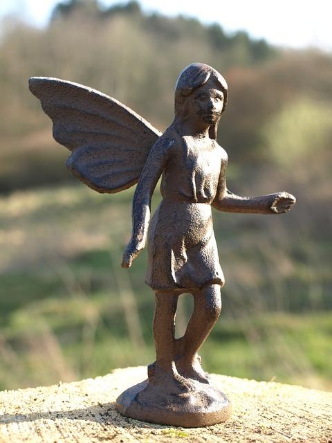 Statuette bébé elfique
