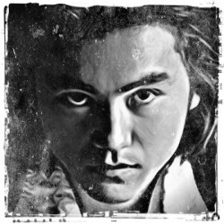 Johnny Ogata