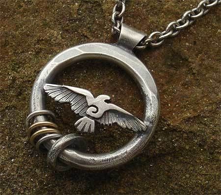 figurine of wondrous Power: Silver Raven