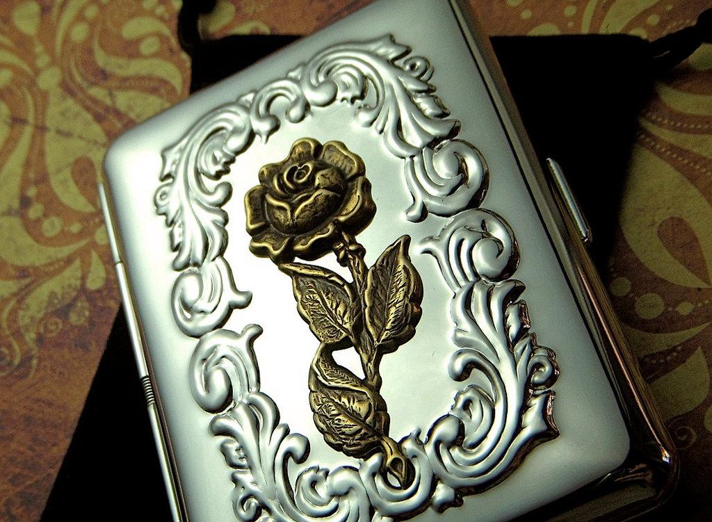 sliver cigarette case