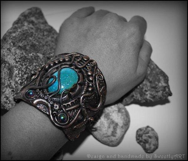 Hearthstone Amulet (bracelet)