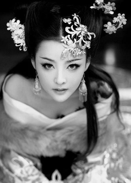 Contessa Maria Mei Ts'ao