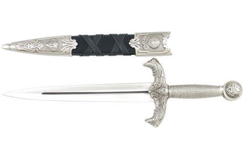 Mugin Von Dietrich's White Silver Dagger