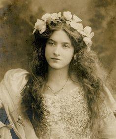 Leona Hollingbury