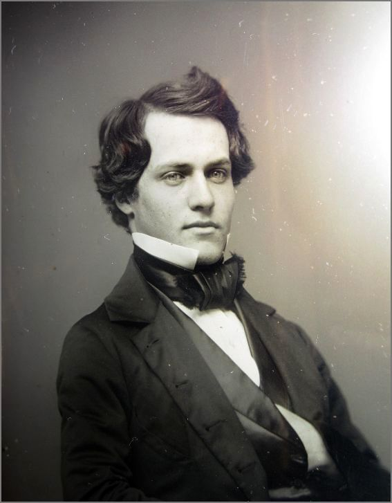 Ethan Moiré