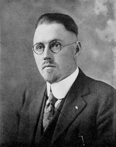 Dr. Christian Lorien