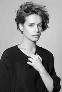Miriam Schueller