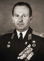 COL Klaus Probst